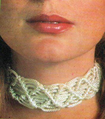 ~ Vintage 1970's Pull-Out Macrame Pattern For Lady's Pretty Choker ~