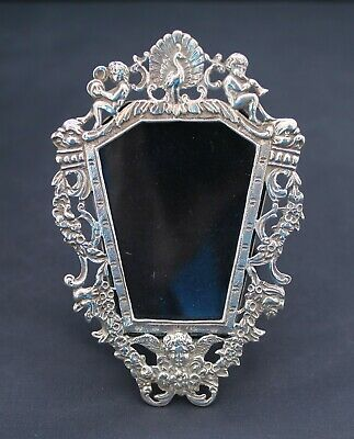 Edwardian, Goldsmiths & Silversmiths Co Ltd, Silver Miniature Photo Frame, 1908