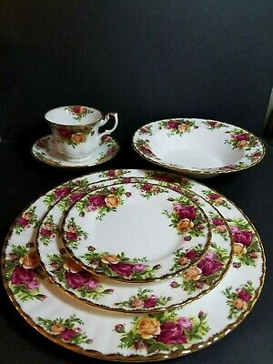 Old Country Rose 6 Piece Place Setting Royal Albert Bone China England