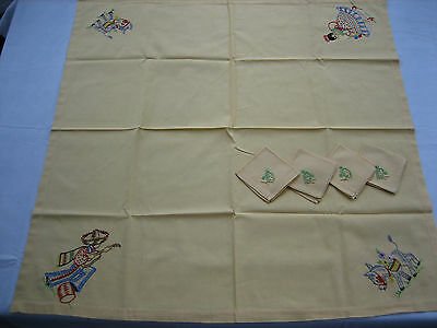 Vintage Yellow Embroidered Spanish Theme Tablecloth, 4 Matching Napkins