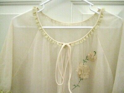 Vintage Vanity Fair Pale Pink Sheer Overlay Embroidered Flowers Size 36 Nylon
