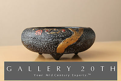 Textured Japanese Mid Century Tri-Footed Pottery Bowl! Black Art Vtg 60'S Retro