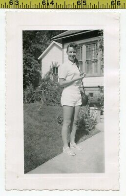 Vintage 1952 photo / Sexy Young Woman in Summer Shorts Invites You Inside 4 Tea