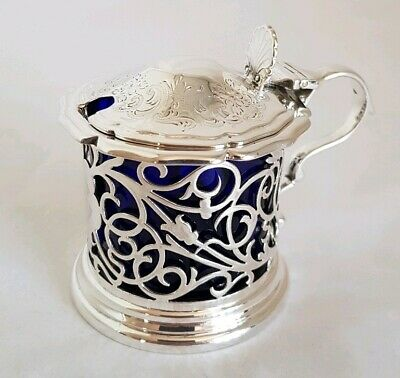 A Victorian Sterling silver Drum mustard pot.Sheffield 1898.By Atkin Brothers