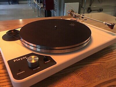 VPI PLAYER TURNTABLE with Built in Phonostage and Headphone Amp