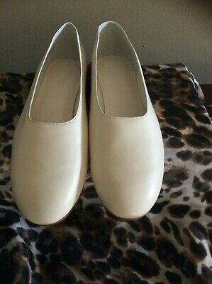 610495aad VINCE WOMEN'S MAXWELL Leather Flats in CREAM Size 9 M NWB - $155.00 ...