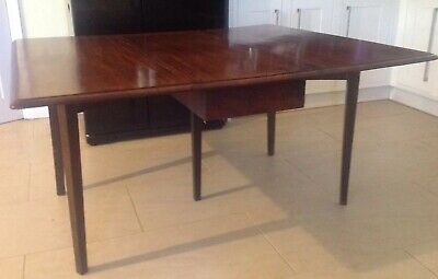 Antique Period Georgian Late 18th Century Mahogany Breakfast Dining Table