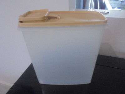 TUPPERWARE Large CEREAL STORAGE CONTAINER 'PERFECT'