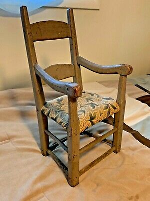 Rare and important 17 th c shaved post pilgrim child's chair ladder back aafa am