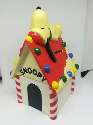 Vintage Snoopy Decorated Christmas Coin Bank Doghouse Whitman/'s Candies