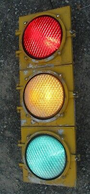 "8"" Aluminum 3 section LED Traffic Signal Light No Visors (D)"