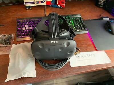 HTC Vive VR Headset Only - Plus Spare Foam Mask & Earbuds