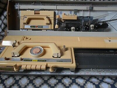 BROTHER KH-830 Knitting Machine With Instruction Manual