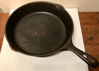 "Vintage Wagner Ware USA 10 1/2"" Skillet #8 Double Pour Spouts Sits Flat Seasoned"