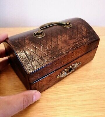 A Beautiful Rare 18Th Century Miniature Lined Leather Casket N/R