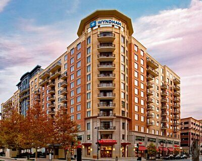 Wyndham at National Harbor- 225,000 Club Plus Points