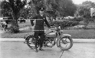 Depression Era DC Metro Antique Indian/Harley Motorcycle Cop/Policeman Photo