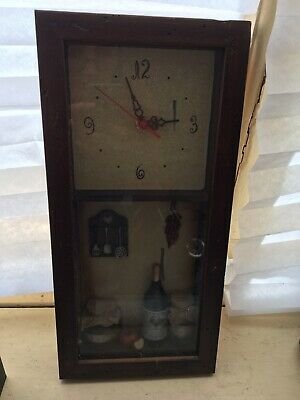 Old style clock good condition