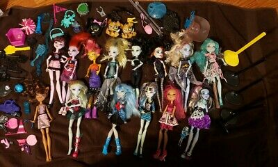 BIG LOT 14 MONSTER HIGH EVER AFTER HIGH DOLLS Pets Shoes Clothes Stands
