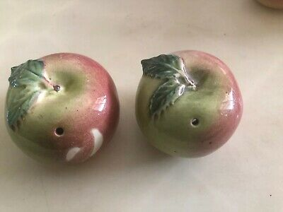 Vintage Darbyshire  Pottery Apples Salt & Pepper Shakers Perth Pottery