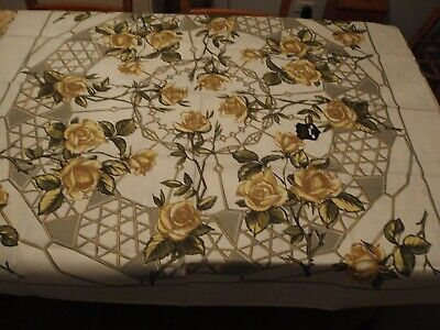 VINTAGE RETRO YELLOW ROSES TABLECLOTH...NEW NEVER USED..130cm x 130cm
