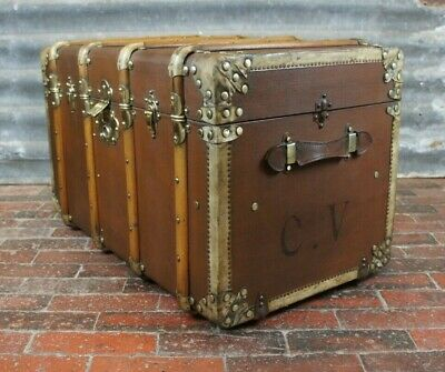 Beautiful Velum Trimmed Tall Banded Trunk Original Trays & Interior