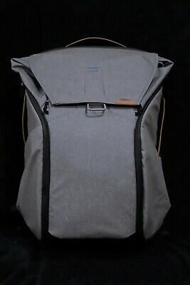Peak Design Everyday Backpack 30L Ash. US shipping only