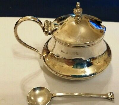 1924 A Marston & Co Sterling silver mustard & 1931 sterling silver spoon - 50.7g