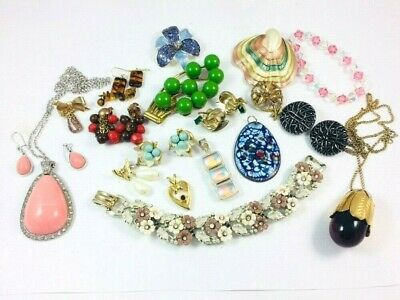 VINTAGE TO NOW JUNK DRAWER COSTUME JEWELRY LOT #147 Some Signed Coro Cov Avon