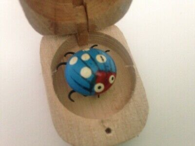 2 I LOVE YOU BUGS IN WOODEN BOX WIGGLY LOVEBUG WOOD BOX RANDOM COLORS