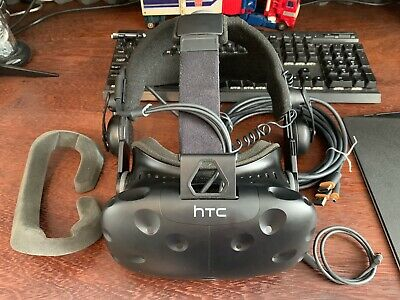 HTC Vive VR Headset With Deluxe Audio Strap & Spear Face Mask