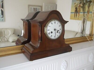 QUALITY SOLID MAHOGANY 8 DAY STRIKING MANTLE CLOCK c. 1940 in VGC.