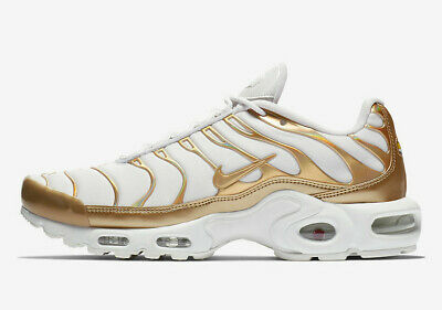 NIKE AIR MAX Plus Womens Running Bling Shoe Vast GreyGold