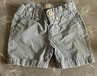 Zara, baby boys shorts, age 6-9 months, blue and white Pattern