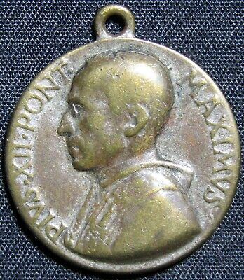 Vintage Pope Pius XII Holy Year Rome 1950 Catholic Token Medal Charm 4.2 grams
