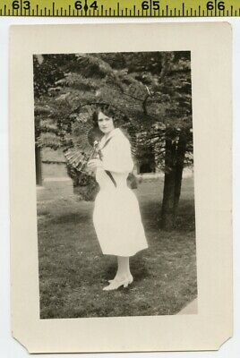 Vintage 1920's photo / Lovely Young Lady in White Twirls Oriental Paper PARASOL