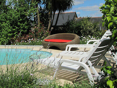 GITE COTTAGE HOLIDAY 2 people CENTRAL BRITTANY FRANCE £65 a night POOL September