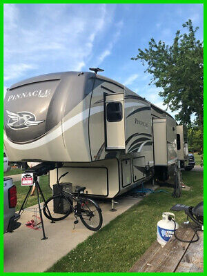 2018 NEW 2018 Jayco Seismic 4114 5Th Wheel Toy Hauler 3 Slide 14 F