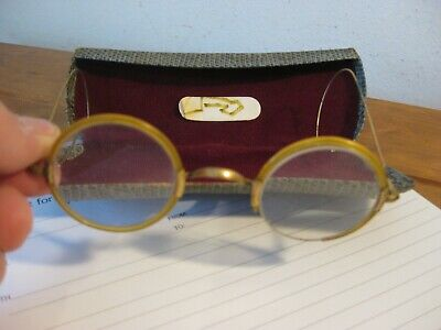 Reading Spectacles (ANTIQUE) Glass (One Rim Broken) Original (Auroid)