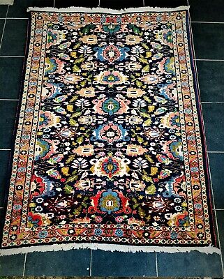 Authentic Vintage Hand-Knotted Varamin Rug (146 cm x 103 cm)