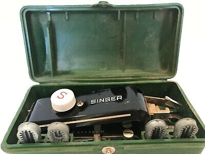 Vintage Singer Buttonholer Attachment w/4 Button Hole Templates in Case