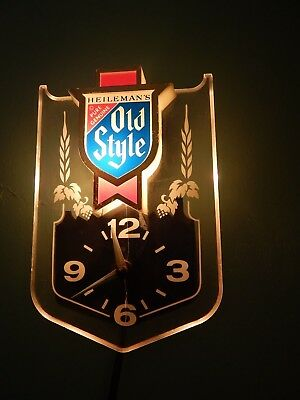 Heileman's Old Style Beer [Embosograph] BAR_PUB_TAVERN ~ Electric Lighted Clock