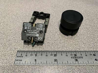 Telemecanique Black Momentary Push Button Switch W/ N.o. Block Part # Zb2Be101