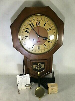 Vintage Hamilton 31 Day Oak Wall Clock Pendulum Key Chimes 6 & 12 Untested