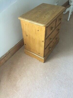 Small Traditional Pine Chest Of Drawers