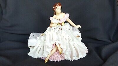 Fantastic Dresden Lace Porcelain Seated Lady On Chaise Settee