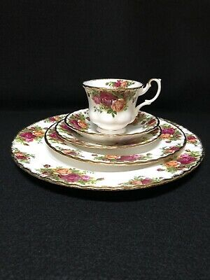Vintage Royal Albert OLD COUNTRY ROSES Bone China 5 Piece Place Setting