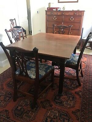 Victorian solid Mahogany dining room table. Extendable.