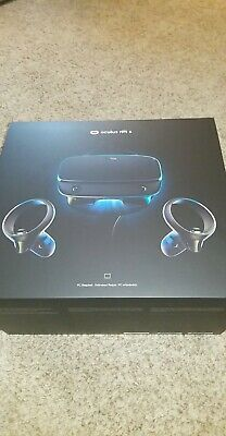 Oculus Rift S Virtual Reality Headset With External Tracking And Controllers