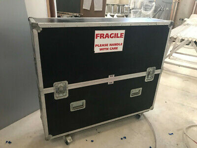 Large Flight Case with wheels for screen
